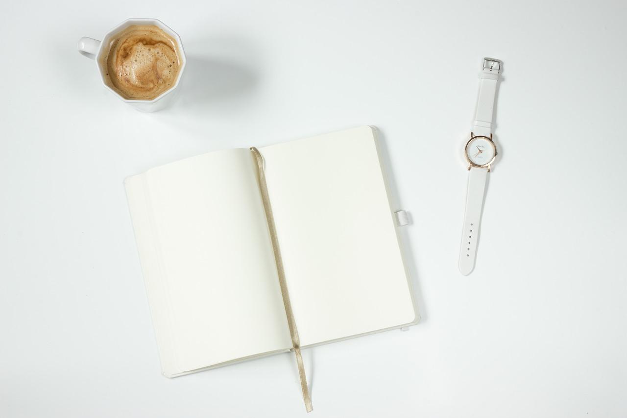 ノートと時計