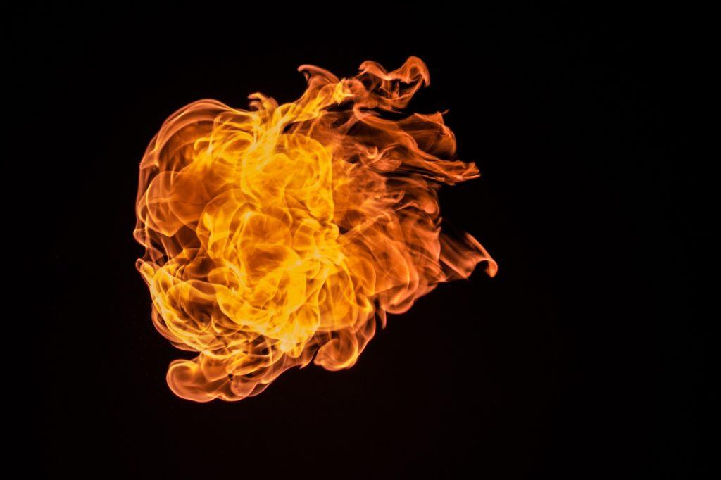 断熱効果は熱貫流率・熱抵抗・熱伝導率で決まる