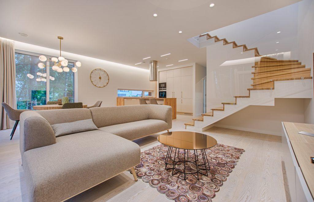 住宅の階段の寸法の注意点【住む人に合わせて設計】