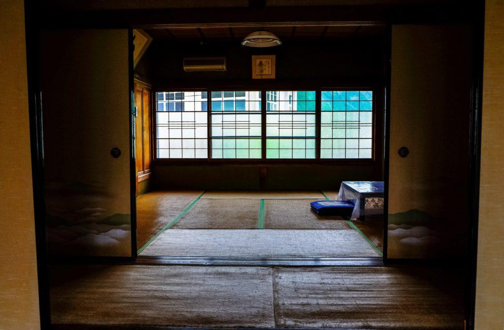 畳のデメリット【メンテナンスがめんどくさい】