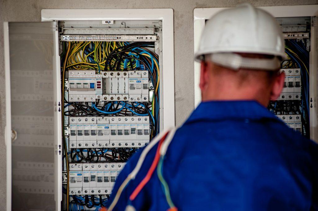 電気工事士に向いてる人の5つの特徴【向いてないならやめとけ】