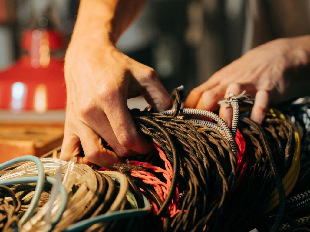 電気設備の施工管理は激務になることアリ